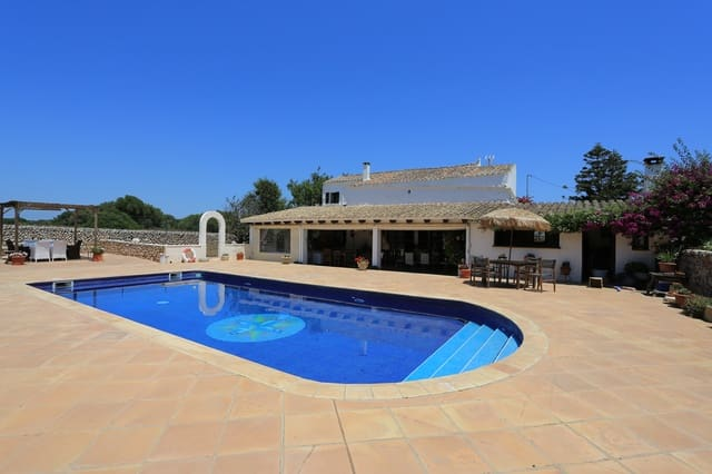 4 bedroom Finca/Country House for holiday rental in Mahon / Mao with pool garage - € 1,250 (Ref: 5933207)