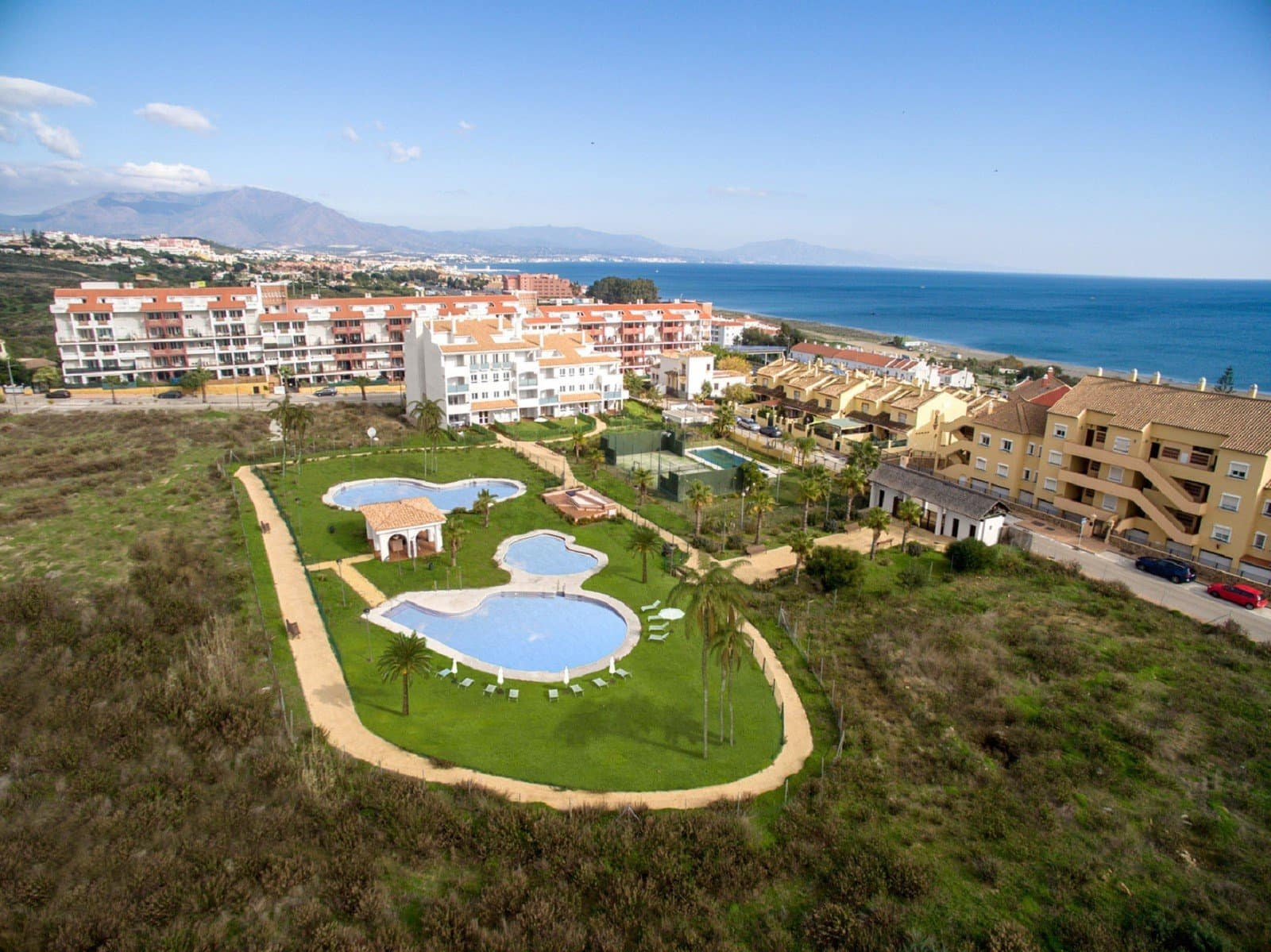3 bedroom Penthouse for sale in Manilva with pool garage - € 229,000 (Ref: 4630978)