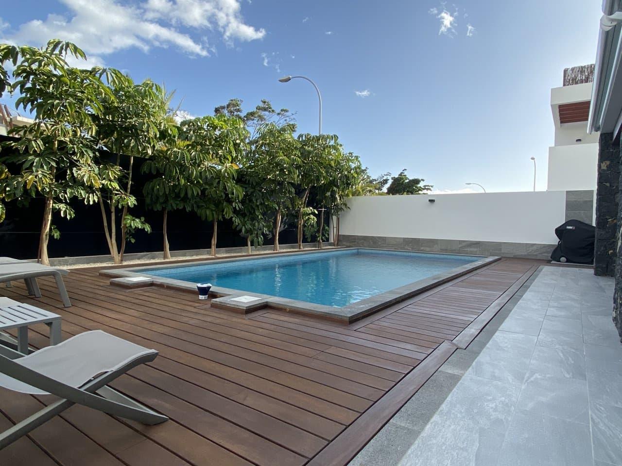 4 bedroom Villa for sale in Los Cristianos with pool - € 1,180,000 (Ref: 4982173)