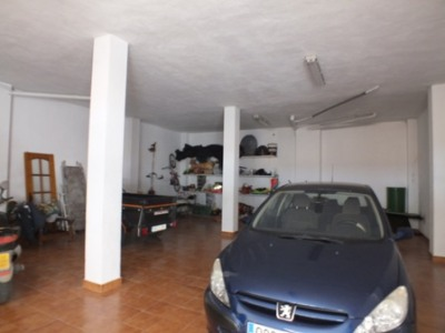 Garage te huur in Alhaurin el Grande - € 400 (Ref: 2211511)