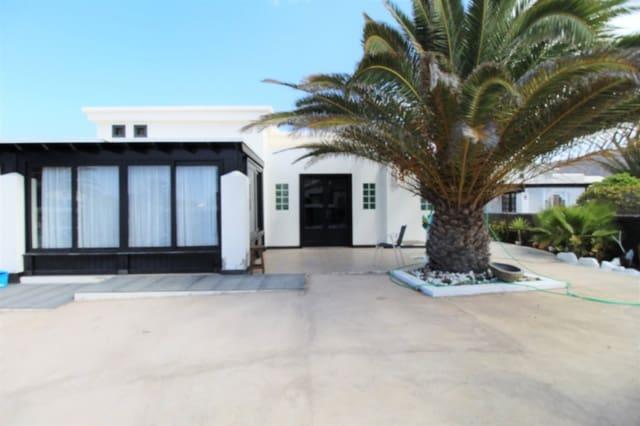 3 chambre Villa/Maison à vendre à Playa Blanca avec piscine garage - 295 000 € (Ref: 5245856)
