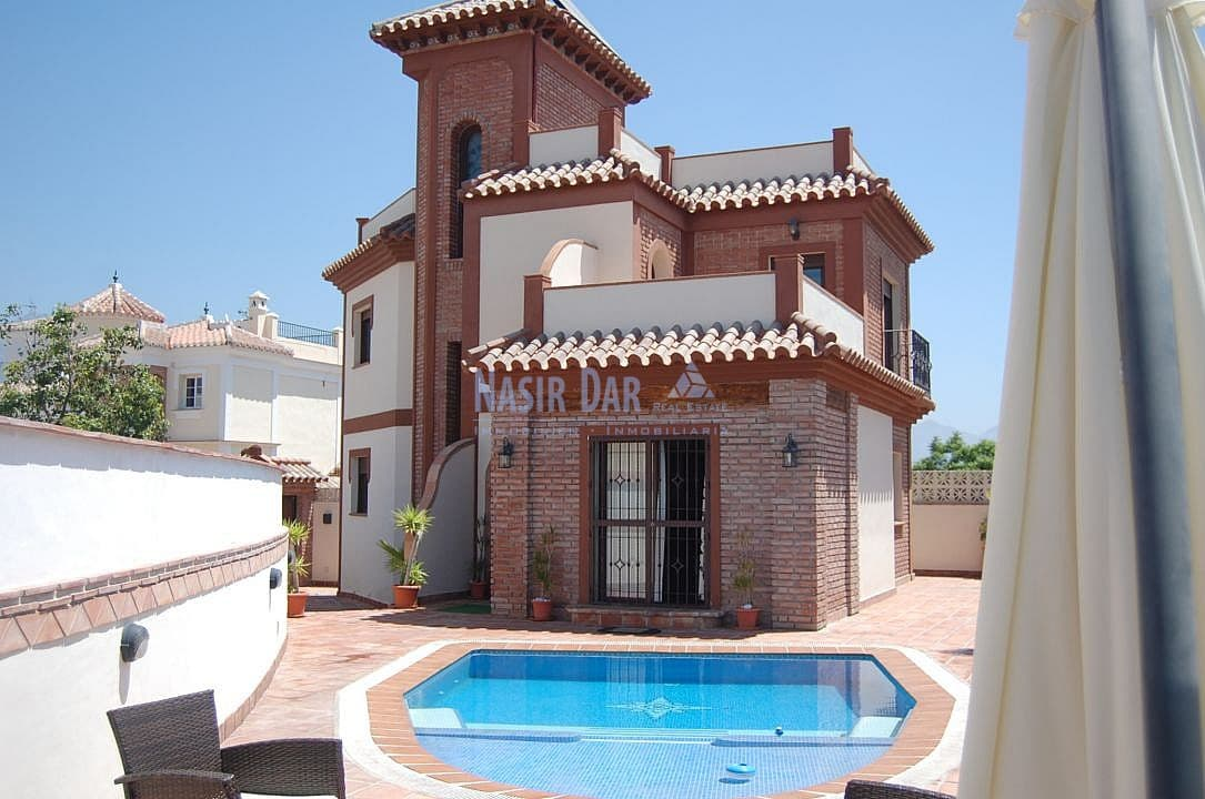 3 bedroom Townhouse for sale in Nerja with pool - € 525,000 (Ref: 4452722)
