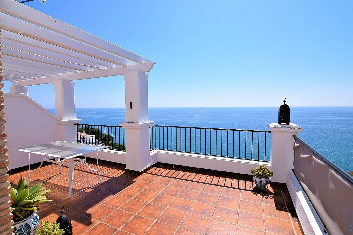 2 bedroom Townhouse for sale in Nerja with pool - € 350,000 (Ref: 5156631)