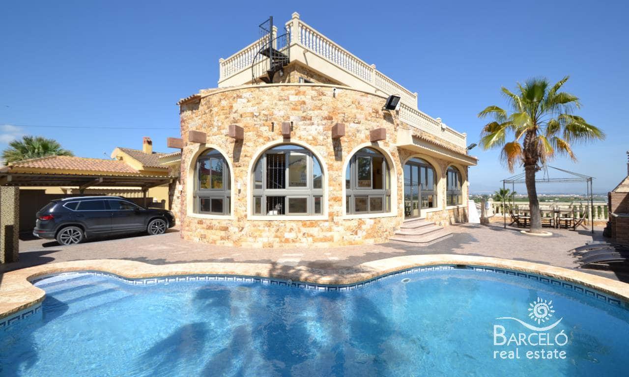 Chalet de 4 habitaciones en Pueblo Lucero en venta con piscina - 450.000 € (Ref: 3563859)