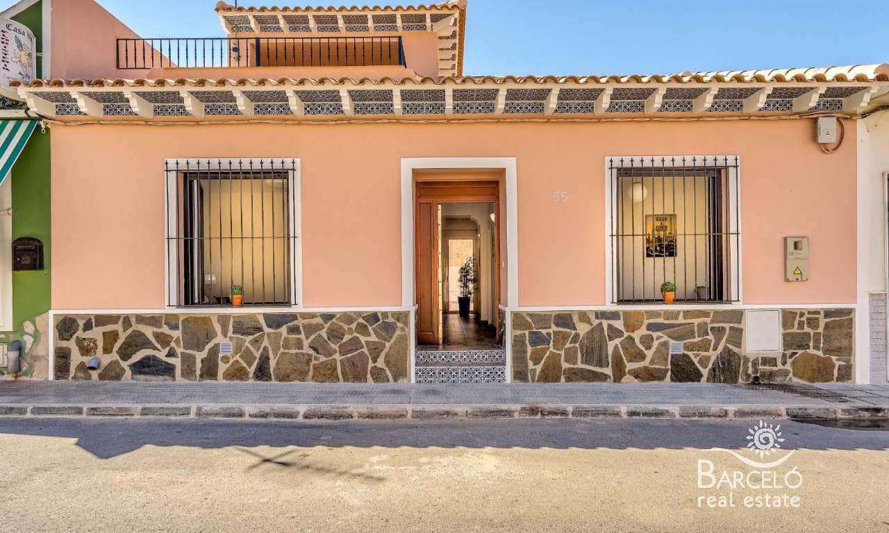 Chalet de 4 habitaciones en Benijófar en venta con piscina - 349.000 € (Ref: 4922447)