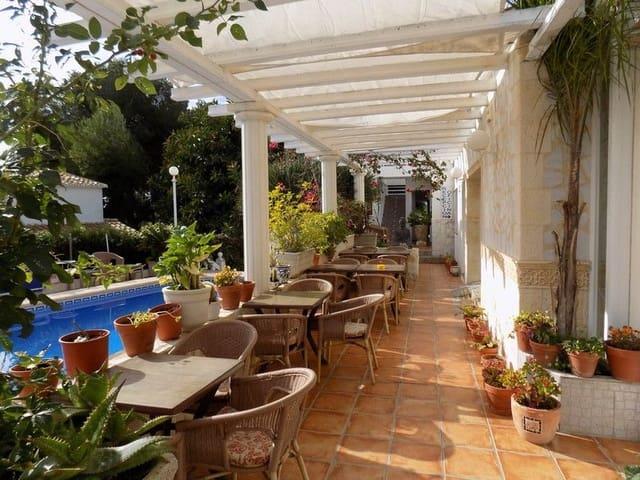 Pensión/Hostal de 17 habitaciones en Calpe / Calp en venta con piscina - 950.000 € (Ref: 3543234)