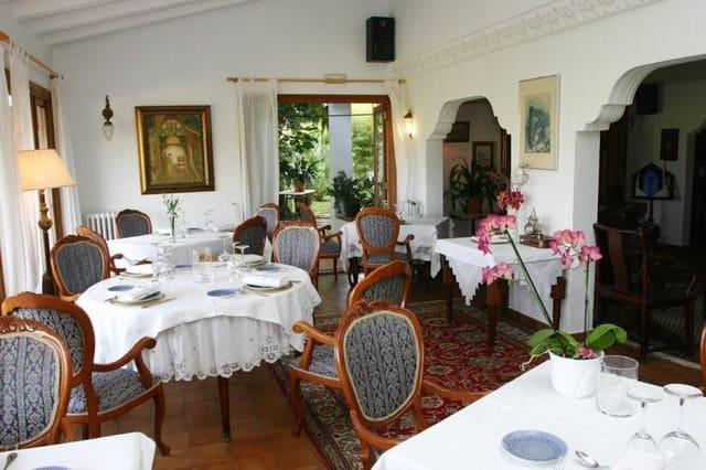 9 soverom Hotell til salgs i Benissa med svømmebasseng garasje - € 1 500 000 (Ref: 3946403)