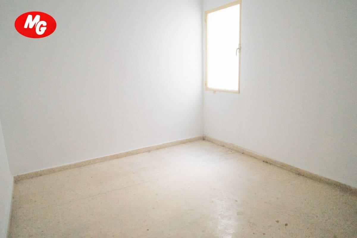 5 Zimmer Wohnung zu verkaufen in Gador - 44.000 € (Ref: 2676430)