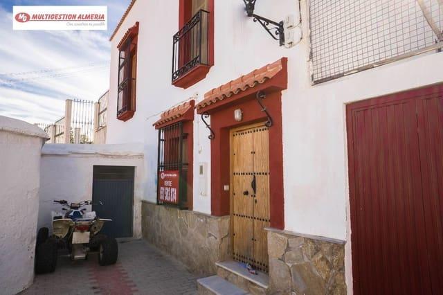 7 soveværelse Villa til salg i Instincion med garage - € 65.000 (Ref: 3545936)