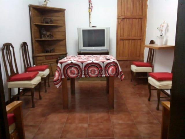 4 quarto Casa em Banda para arrendar em Cajiz - 600 € (Ref: 3511503)
