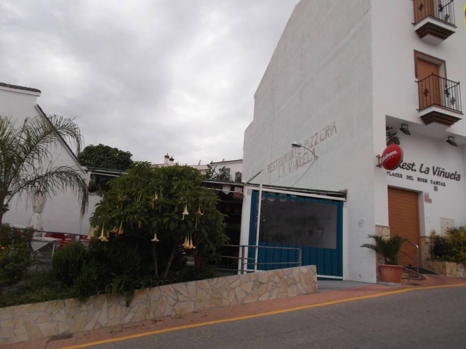 Commercieel te huur in Vinuela - € 2.200 (Ref: 3986108)