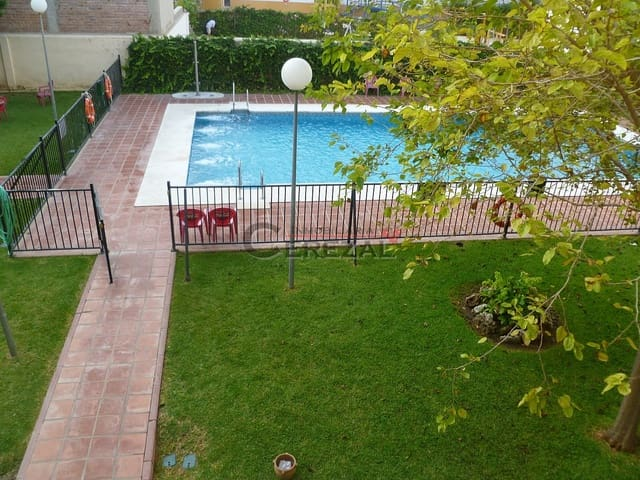 3 bedroom Apartment for holiday rental in Torre del Mar with pool - € 550 (Ref: 5666185)