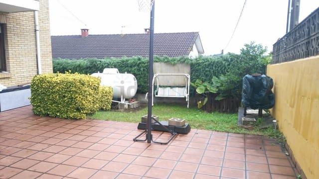 Chalet de 4 habitaciones en El Astillero en venta con garaje - 275.000 € (Ref: 5901371)
