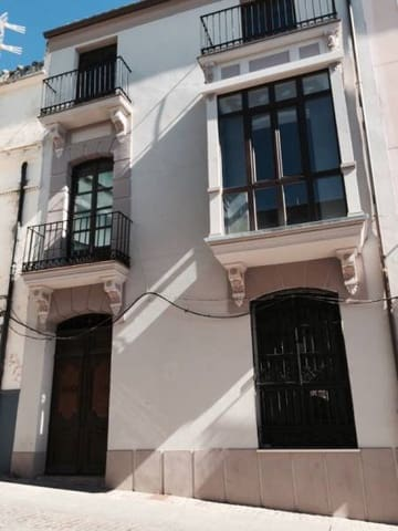 Villa til salgs i Zamora by - € 270 000 (Ref: 5315990)