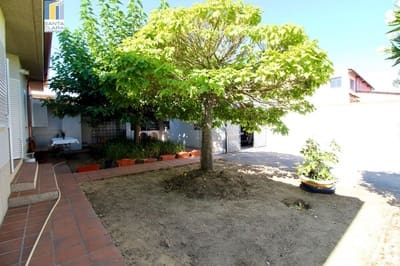 6 bedroom Finca/Country House for sale in Moraleja del Vino with garage - € 158,000 (Ref: 5471320)