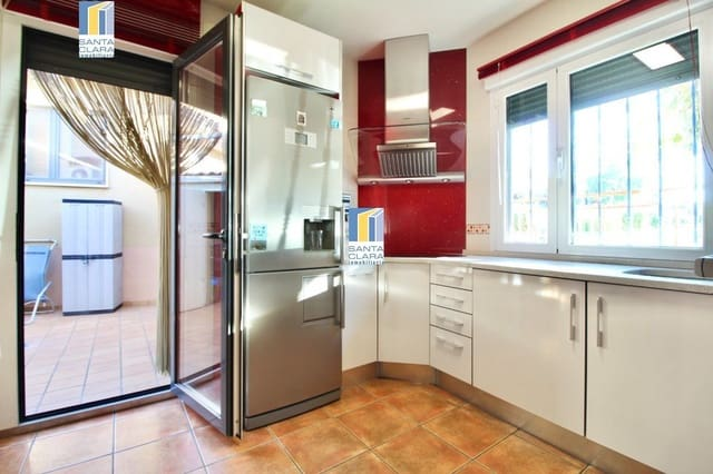 4 makuuhuone Rivitalo myytävänä paikassa Zamora kaupunki mukana  autotalli - 185 000 € (Ref: 5636060)