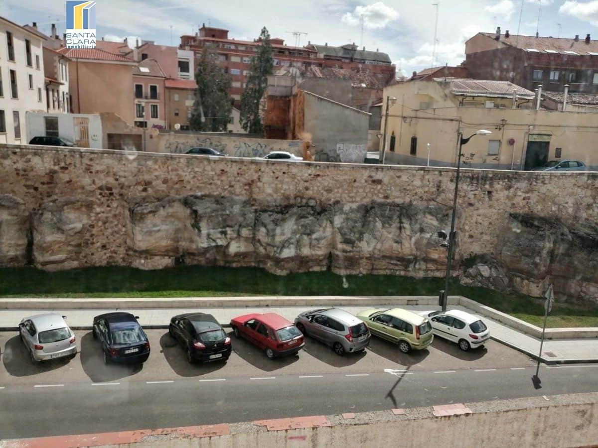 Piso de 3 habitaciones en Zamora ciudad en venta - 33.000 € (Ref: 5725667)