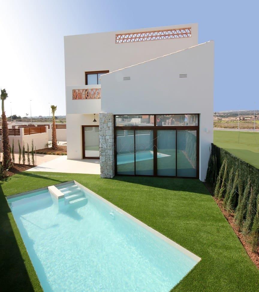 Chalet de 3 habitaciones en Benijófar en venta con piscina - 324.900 € (Ref: 5013096)