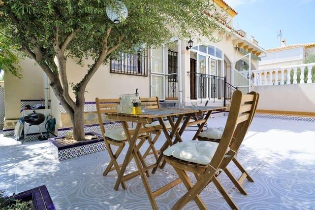 3 slaapkamer Halfvrijstaande villa te huur in Torrevieja met zwembad - € 650 (Ref: 5563208)