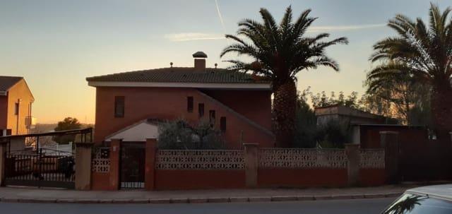 3 soverom Villa til salgs i Sant Salvador (Coma-Ruga) med svømmebasseng - € 220 000 (Ref: 5661304)