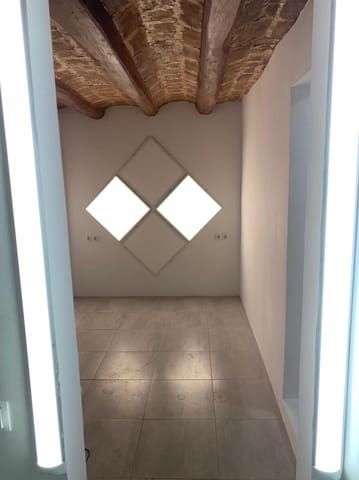 1 bedroom Studio for sale in Barcelona city - € 80,000 (Ref: 5924932)
