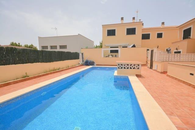 5 soverom Kjedet enebolig til salgs i Les Palmeres med svømmebasseng garasje - € 373 000 (Ref: 5493791)