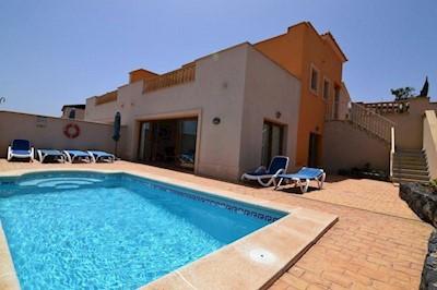 Lovely 4 Zimmer Villa Zu Verkaufen In Caleta De Fuste Mit Pool   330.000 U20ac (Ref ...
