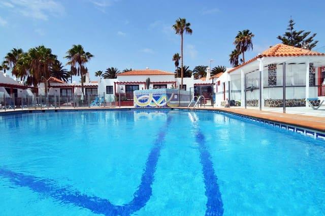 1 bedroom Apartment for sale in Caleta de Fuste with pool - € 120,000 (Ref: 5605960)