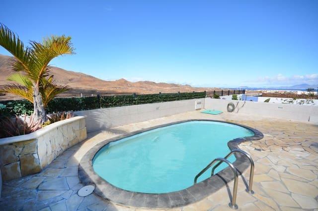 Pareado de 3 habitaciones en Corralejo en venta con piscina - 235.000 € (Ref: 5972584)