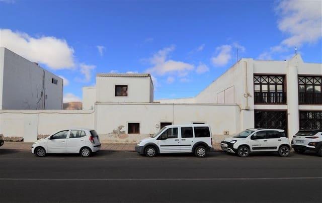 9 soveværelse Byhus til salg i La Oliva - € 135.000 (Ref: 6301100)