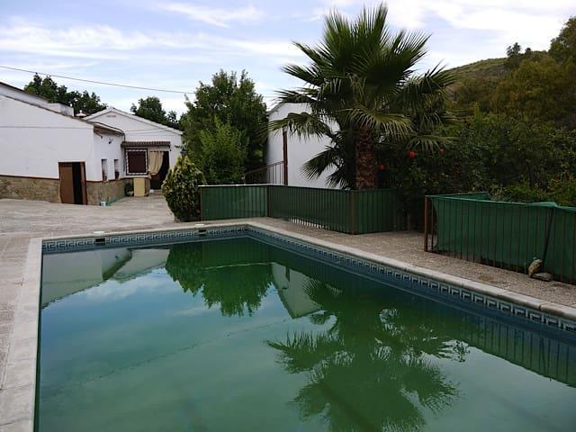 4 sovrum Finca/Hus på landet till salu i Setenil de las Bodegas med pool - 329 000 € (Ref: 2297749)