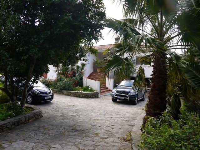 5 soveværelse Byhus til salg i Tarifa med swimmingpool - € 675.000 (Ref: 2504557)
