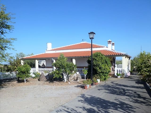3 bedroom Villa for sale in Olvera with pool - € 258,000 (Ref: 4160899)