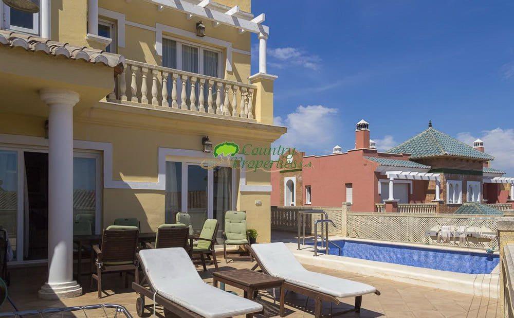 5 Zimmer Villa zu verkaufen in Torre del Mar mit Garage - 550.000 € (Ref: 5586966)
