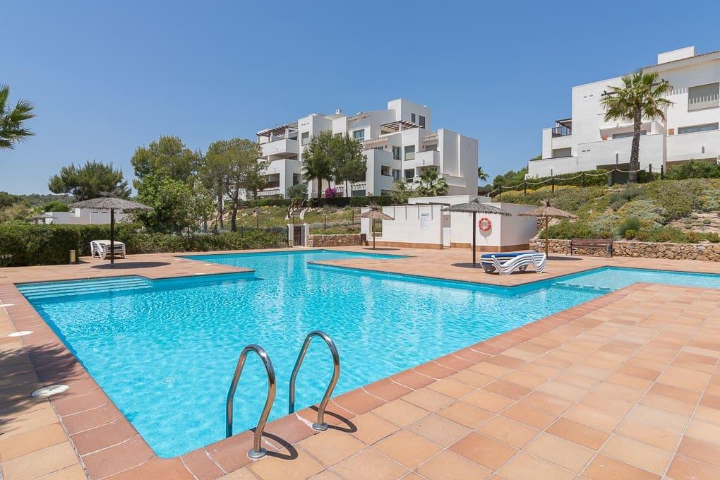 Apartamento de 3 habitaciones en Las Colinas Golf en venta con piscina - 239.000 € (Ref: 3309678)