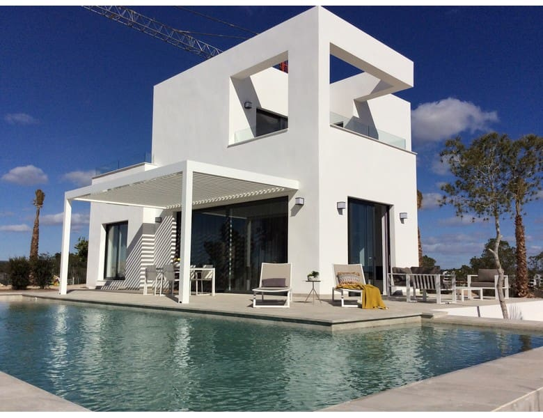 Chalet de 3 habitaciones en Las Colinas Golf en venta con piscina - 469.000 € (Ref: 3459606)