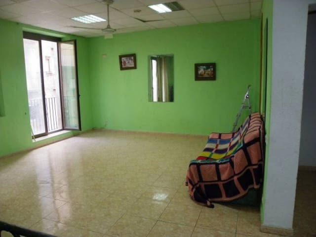 Commercial for sale in Tortosa - € 82,900 (Ref: 5214218)