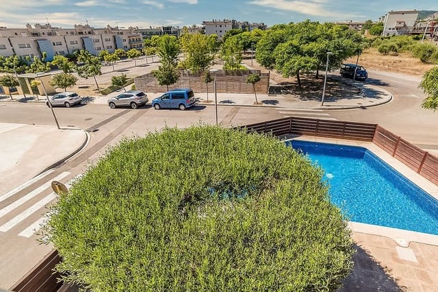 1 bedroom Loft for sale in Sant Carles de la Rapita with pool - € 121,500 (Ref: 5927654)
