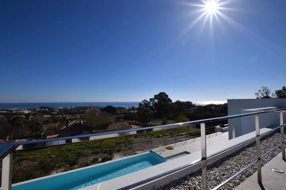 3 bedroom Villa for sale in Benalmadena with pool garage - € 2,075,000 (Ref: 4798248)