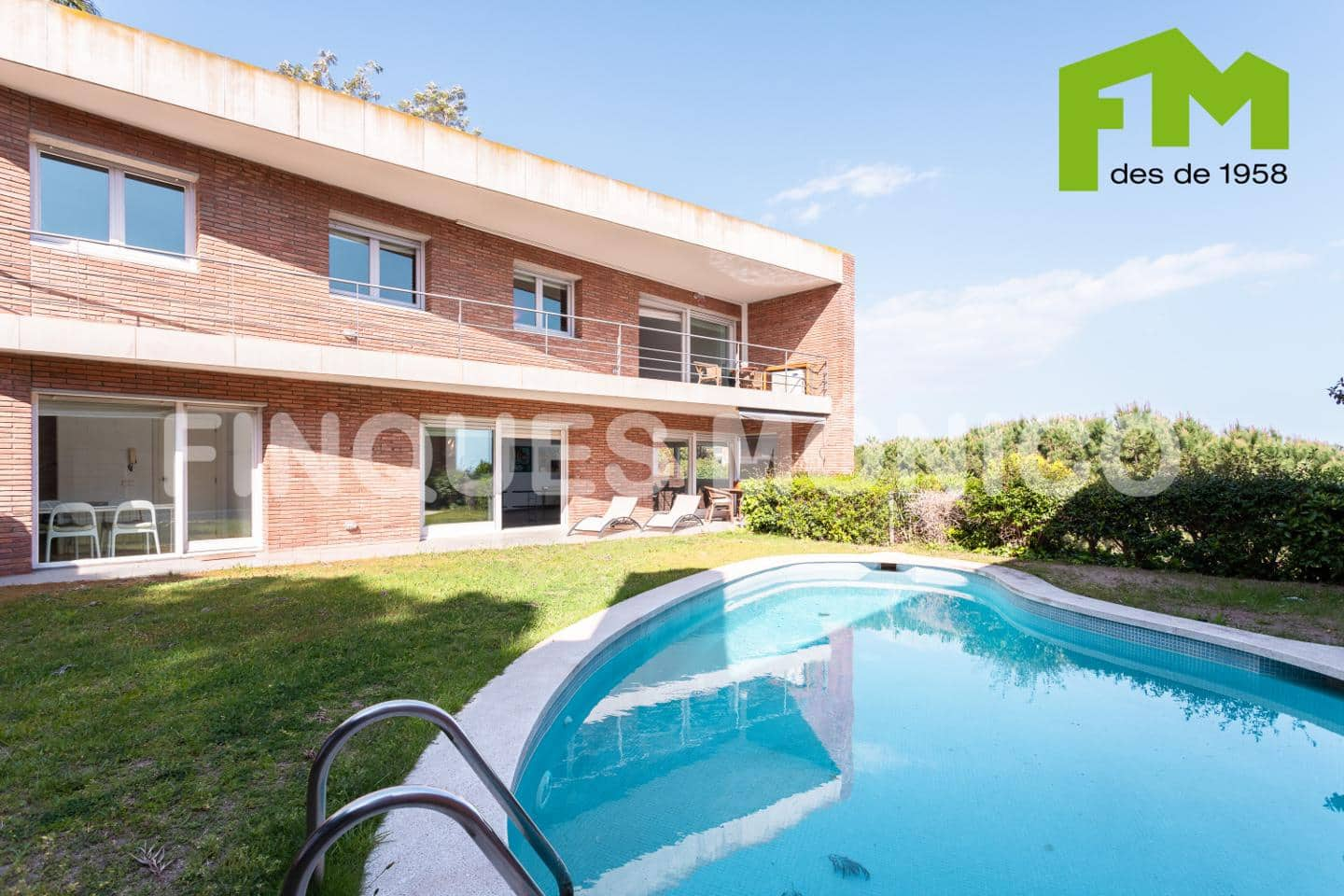 4 bedroom Villa for sale in Teia with pool garage - € 650,000 (Ref: 4590353)