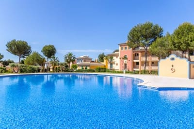 4 bedroom Townhouse for rent in Santa Ponsa with pool garage - € 2,900 (Ref: 5074493)