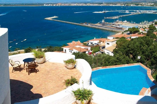 10 Zimmer Gewerbe zu verkaufen in Roses mit Pool - 1.950.000 € (Ref: 1871290)