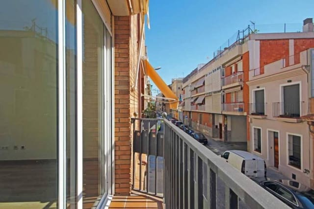 4 soverom Hus til salgs i Barcelona by - € 460 000 (Ref: 5576853)