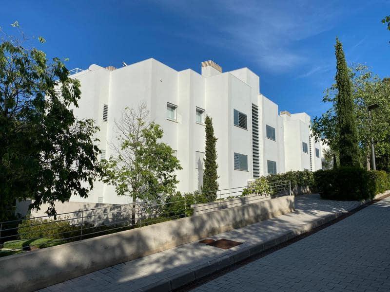 2 slaapkamer Appartement te huur in Bendinat met zwembad - € 3.000 (Ref: 5274028)