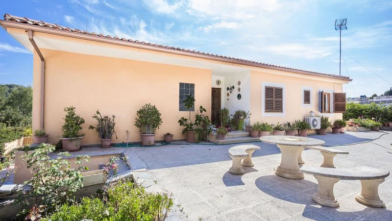 5 bedroom Villa for sale in Peguera / Paguera - € 550,000 (Ref: 3981716)