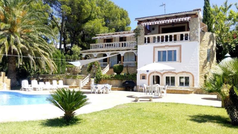 5 bedroom Villa for sale in Santa Ponsa - € 1,749,000 (Ref: 5630030)