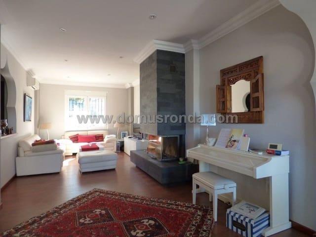 3 bedroom Villa for sale in Cuevas del Becerro - € 270,000 (Ref: 6209995)
