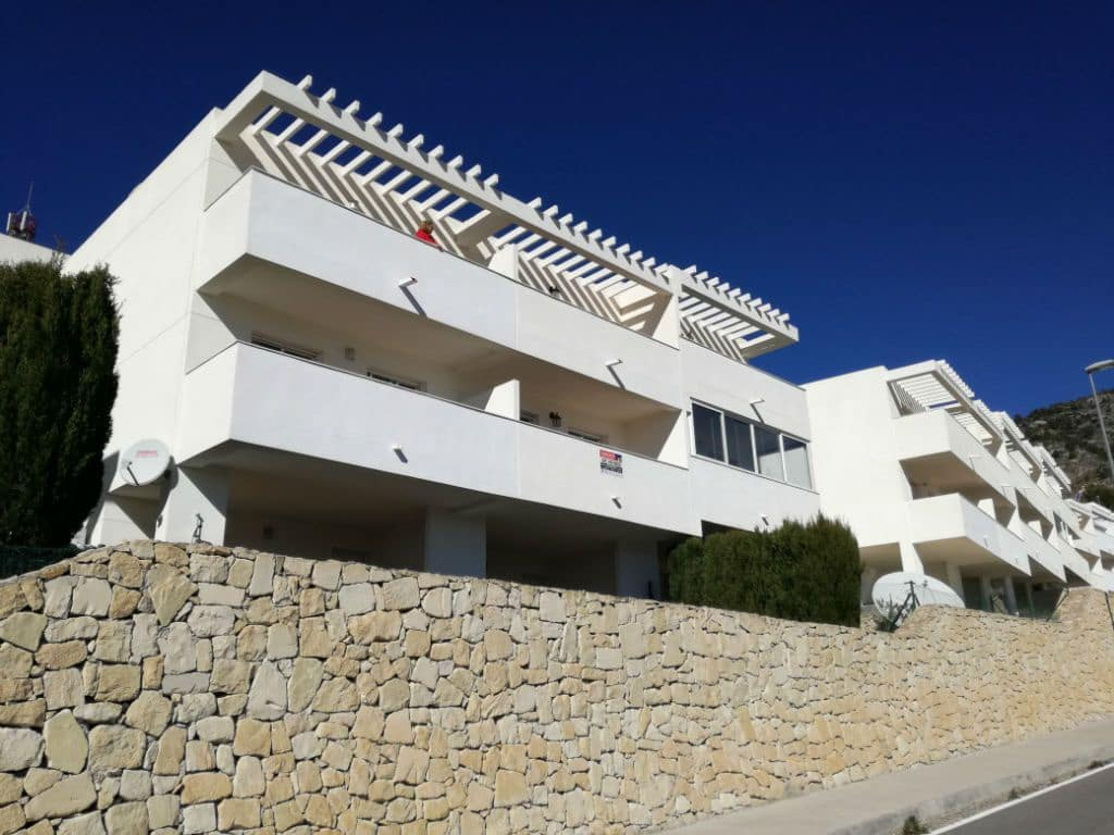 3 bedroom Townhouse for sale in Relleu with pool - € 115,000 (Ref: 5131831)