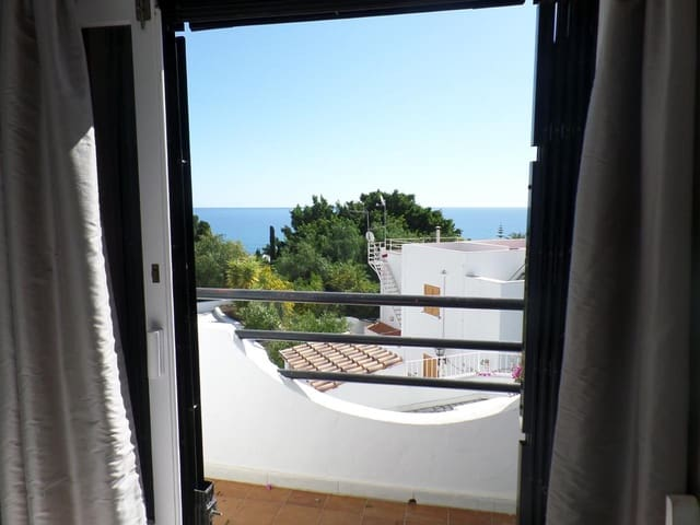 2 bedroom Flat for holiday rental in Mojacar with pool - € 750 (Ref: 5324117)