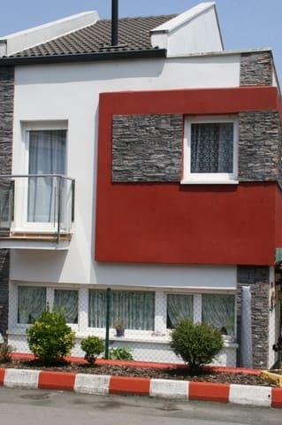 Chalet de 3 habitaciones en Piélagos en venta con garaje - 215.000 € (Ref: 4819845)